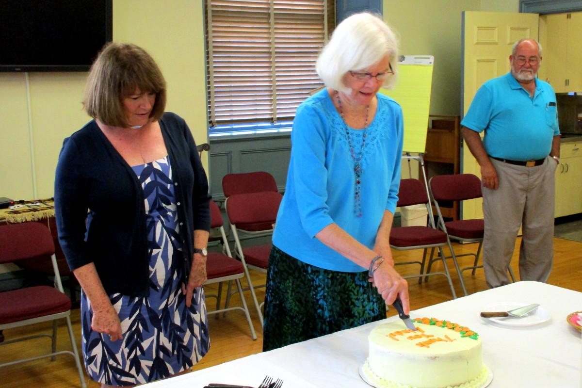 Associate Minister, Linda Bausserman retires.
